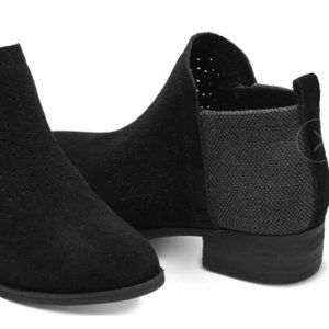 Toms Deia Suede Ankle Booties